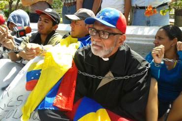 """¡NO SE LE CALLA NI AL PAPA! Los contundentes mensajes del Padre Palmar sobre el """"diálogo"""" (+Tuits)"""
