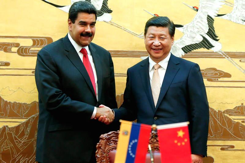 Presidente-de-China-Xi-Jinping-con-Nicolas-Maduro-800x533
