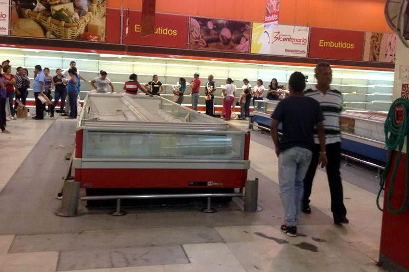 Abastos-Bicentenario-colas-supermercados-vacios-anaqueles-01202015-2-800x533
