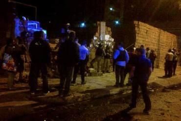¡LO QUE VTV NO INFORMA! Fuerte balacera entre colectivos, GNB y PNB en la Av San Martin este #23E