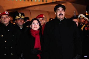 ¡HABLANDO DE CANJES! Maduro se fue a China a canjear lo que queda del país por un nuevo préstamo