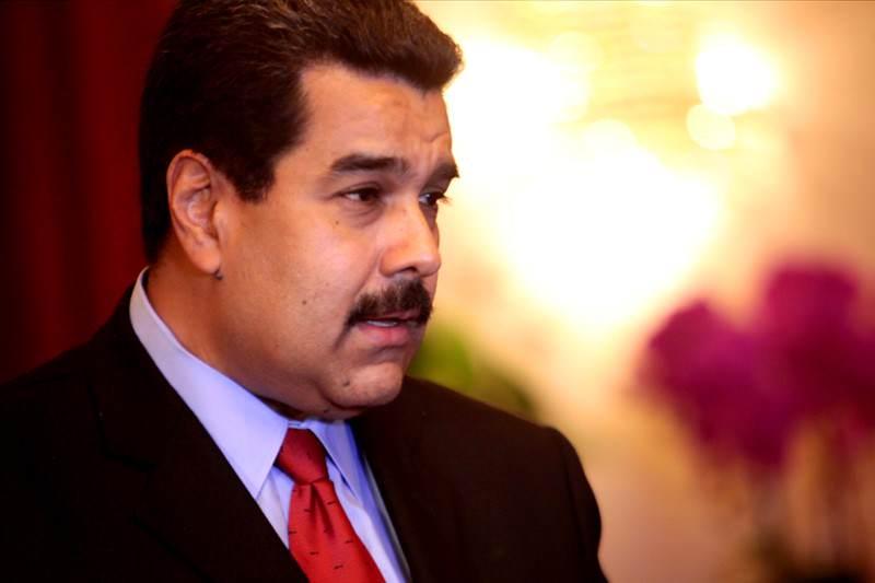 """¡AL MENOS PARA LOS ENCHUFADOS! Maduro asegura que """"divisas están garantizadas en el país"""""""
