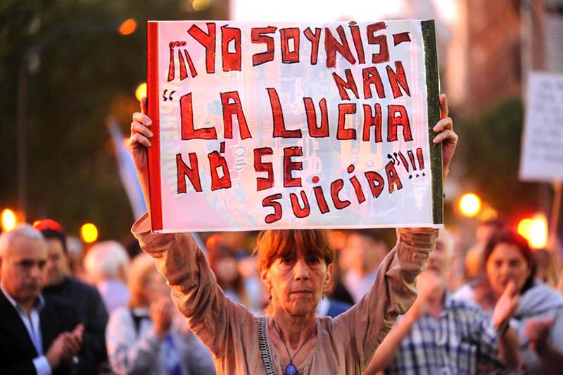 alberto-nisman-argentina-protesta-4