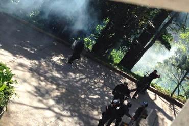 ¡SIGUE EL ABUSO! GNB reprimió a estudiantes de Cultca en Los Teques: Reportan heridos #26E (+Fotos)