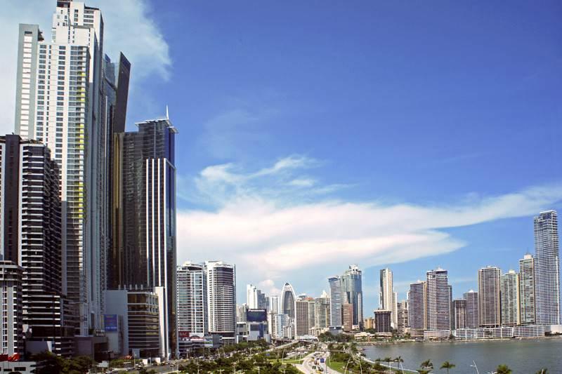 ¡ATENCIÓN VENEZUELA! Plantean eliminar permisos de residencia a profesionales en Panamá