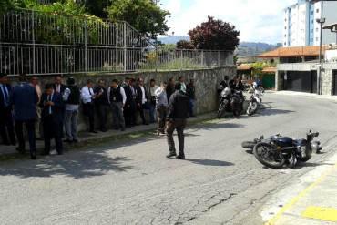 ¡NADIE SE SALVA EN LA PATRIA! Intentan atracar a escolta del Director de INTERPOL Venezuela