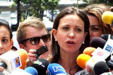 """¡EL PAÍS ENTERO ESTÁ DE LUTO! María Corina: """"Todas las madres perdimos a un hijo ayer"""""""