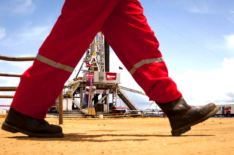 PDVSA-Amuay-refineria-petroleo-2