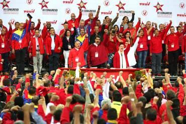 """¡TRAICIONÓ AL """"ETERNO""""! Maduro conserva menos de un tercio del gabinete de Hugo Chávez"""