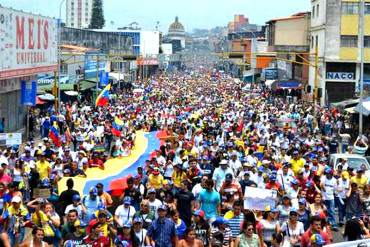 ¡TÁCHIRA DESPERTÓ! Multitudinaria marcha por la paz y la vida desborda San Cristóbal (Fotos)