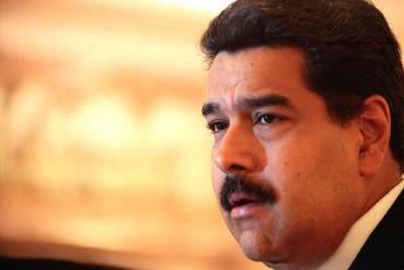"""¡NICOLÁS, NO RENUNCIES! """"Los mismos chavistas te sacarán a patadas…"""" por Gustavo Tovar"""