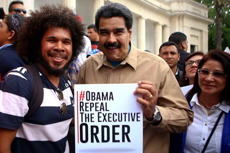 ¡NO SE LO CREE NI CILIA! Maduro asegura que superó las 8 millones de firmas contra Obama