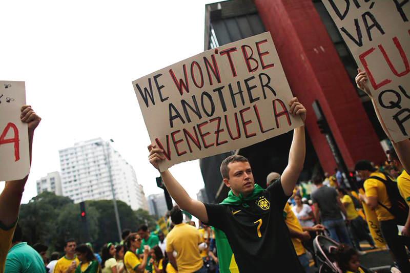 Protesta-Dilma-Rousseff-Brasil-5