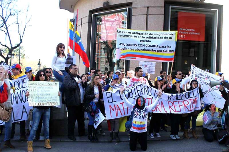 Protesta-Venezolanos-en-Exterior-Exposicion-Madrid-1