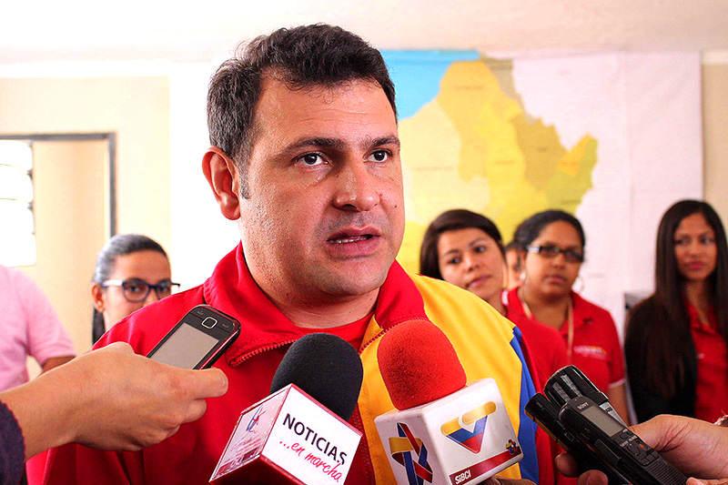 Gobernador-Alexis-Ramírez-