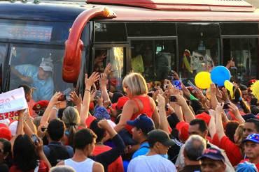¡EL PUEBLO TIENE HAMBRE! Maduro confiesa que en una visita recibió más de 3700 peticiones