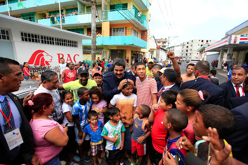 Maduro-en-barrio-chorrillo-panama