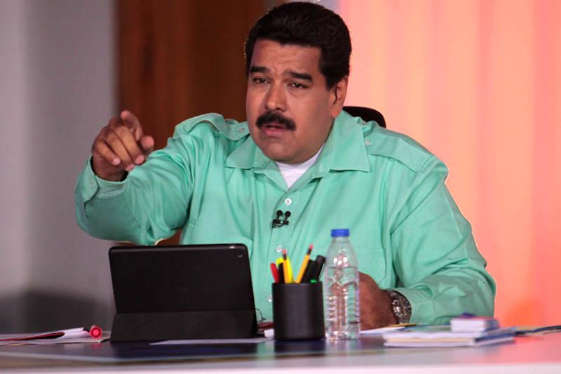 Maduro-señala-amenaza-camisa-verde