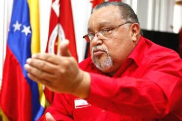"""¡ATENCIÓN! Chavista pide a trabajadores """"tomar el control de las empresas y ponerlas a producir"""""""