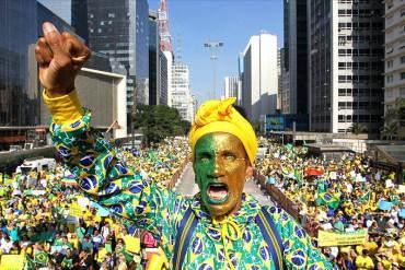 ¡FUERA DILMA! Multitud sale a las calles de Brasil a protestar contra el gobierno de Rousseff (+Fotos)