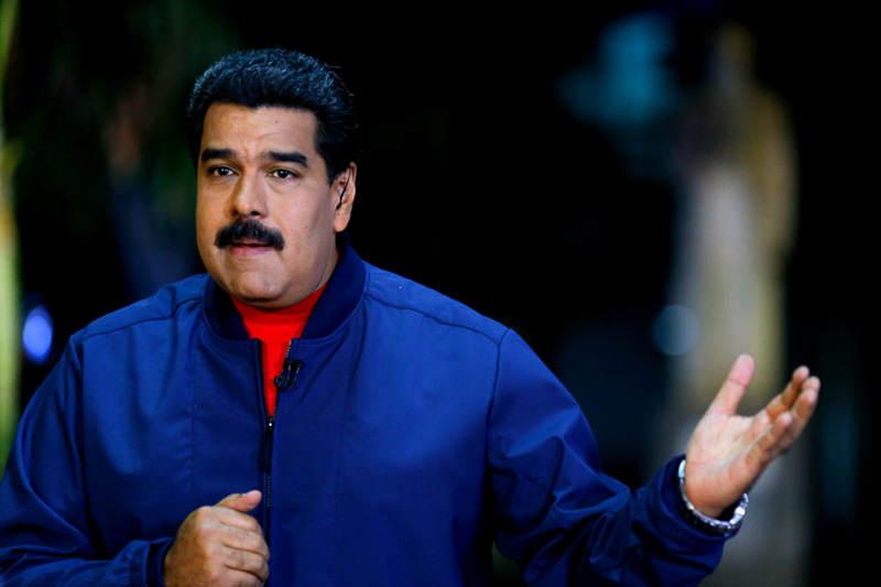 Nicolas-Maduro-en-contacto-con-maduro-19m-1