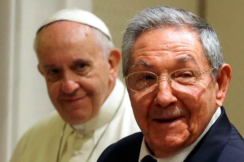 Raul-Castro-PAPA-francisco-2