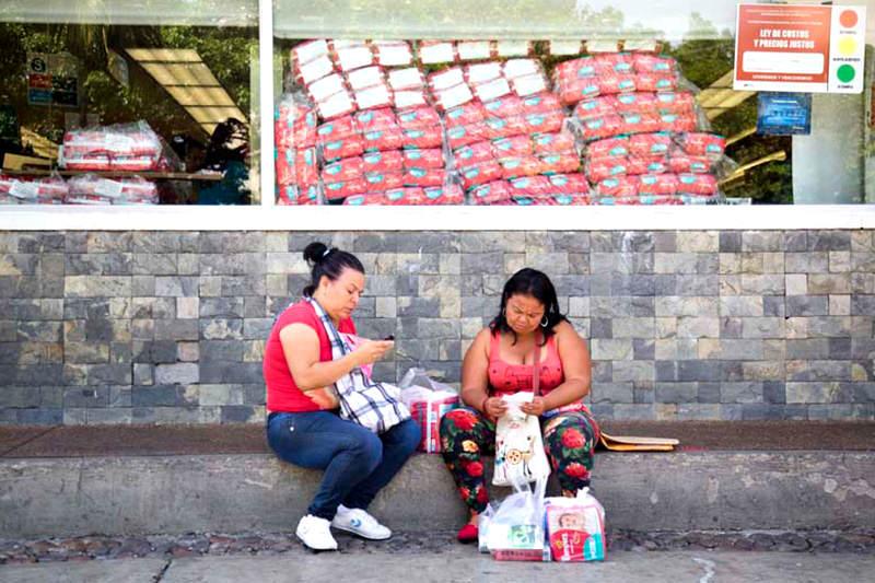 madres-venezolanas-hijo-niño-5