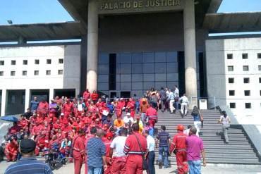¡LA PATRIA LOS SACUDIÓ! Protestaron trabajadores botados de PDVSA en Anzoátegui (+Fotos)