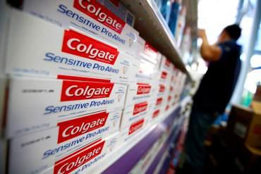 ¡SOBREVIVE EN SOCIALISMO! Ganancias de Colgate-Palmolive afectadas por control de cambio