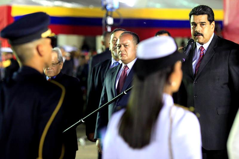 Maduro-graduacion-de-la-FANB-academia-militar-7J-8-poder-cabello-gobierno