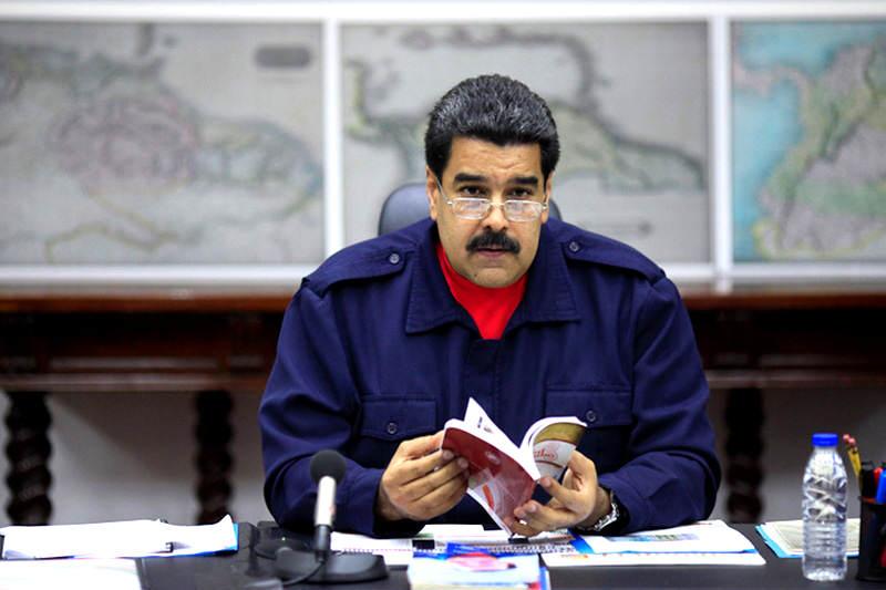 Maduro-libro-anuncia-14j-esequibo