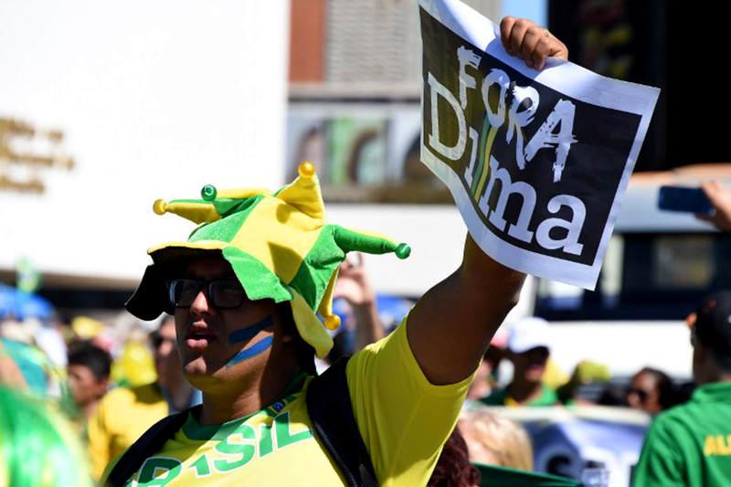 PROTESTA-BRASIL-16A-2