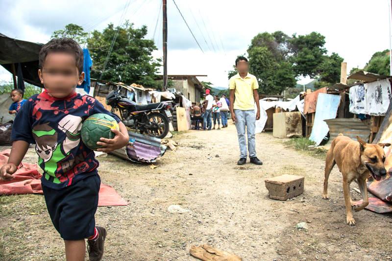 Pobreza-en-Venezuela-Barrios-Refugiados-Refugios-Ranchos-Invasiones-Viviendas-8