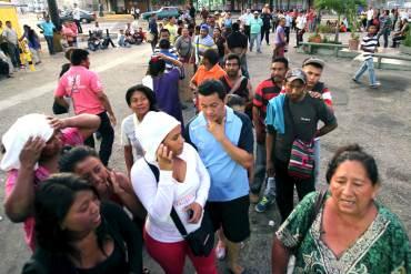 ¡EL COLMO DE LAS MAFIAS! Bachaqueros desplazan a residentes de sus áreas de compra