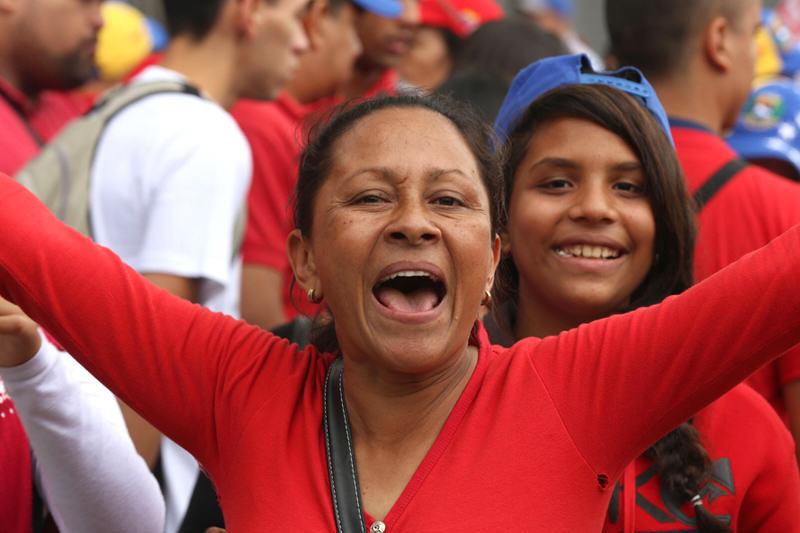 Chavista-Chavismo-en-Venezuela-Socialismo-Marcha-Oficialista-9