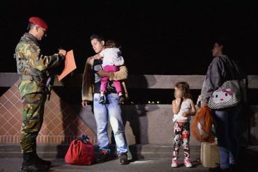 """¡ENTÉRATE! Para cruzar la frontera hacia Colombia se necesitará de una """"cédula fronteriza"""""""