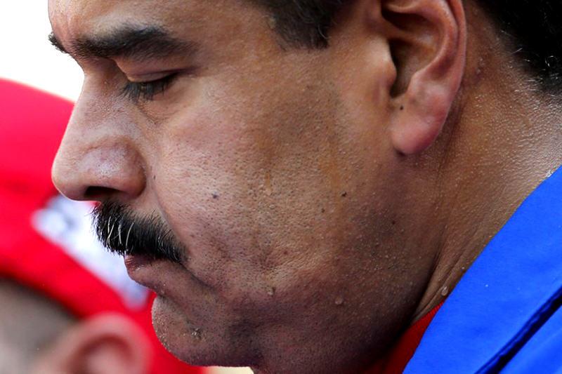 Nicolas-Maduro-preocupado-sudando
