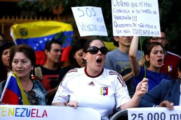 ¡ESTÁN DECIDIDOS! Venezolanos en el exterior protestan en 15 ciudades en respaldo al revocatorio