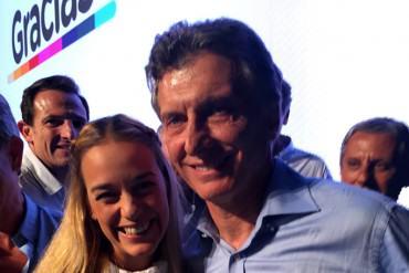 ¡AIRES DE CAMBIO! Lilian Tintori acompañó en tarima a Macri, nuevo presidente de Argentina