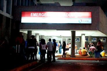 ¡APAGÓN EN PLENA CIRUGÍA! Médicos de Hospital en Maracaibo operaron con la luz de sus celulares