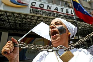 #CensuraEsDictadura Conatel obligó a Unión Radio y al canal IVC a suspender operativo de cobertura al plebiscito