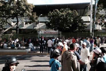 """¡ATENCIÓN! Trancan principal de Macaracuay porque no hay comida en Bicentenario: """"Hay hambre"""""""