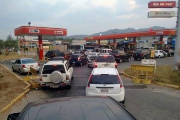 ¡MÁS ESCASEZ! 70% de las estaciones de servicio del Táchira se encuentran sin gasolina (en país petrolero)