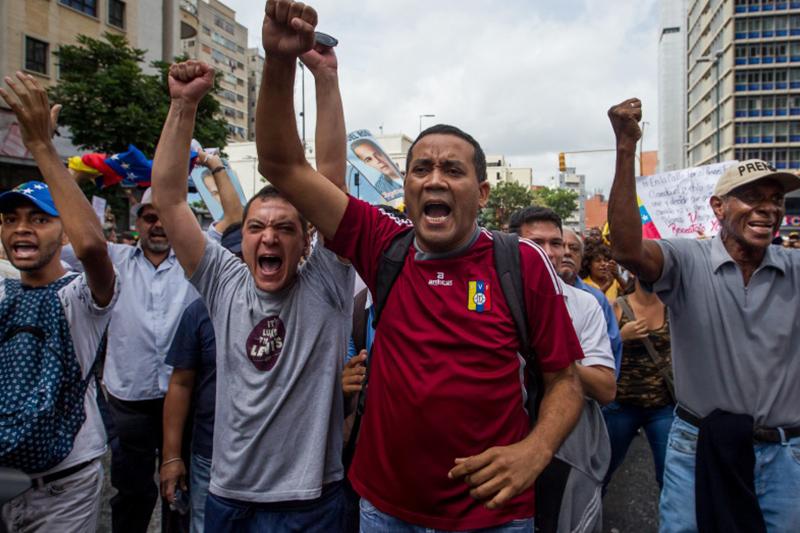 Protesta-marcha-mud-oposicion-calle-18m-represion-gnb-pnb-FOTO-DE-EFE-14
