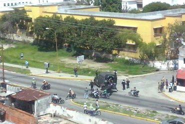 ¡URGENTE! Colectivos armados apoyados por Polimérida arremeten contra estudiantes de la ULA