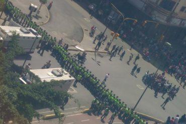 ¡LISTOS PARA REPRIMIR! GNB y PNB toman Plaza Venezuela y centro de Caracas (Fotos+Videos)
