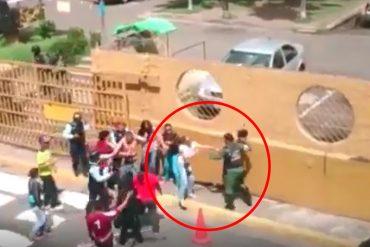 ¡PILLADO EN VIDEO! Así fue como un GNB golpeó salvajemente a varias personas en Cumaná