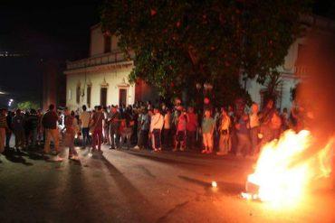 ¡DESASTROSO! Muere joven herido con perdigones en protesta por comida en Lagunillas