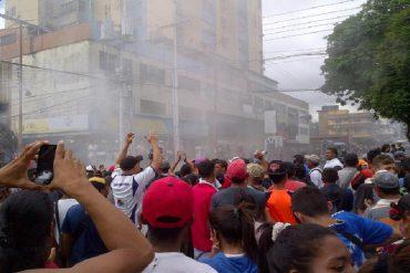 ¡EL HAMBRE LOS MUEVE! GNB reprimió protesta por comida en Monagas
