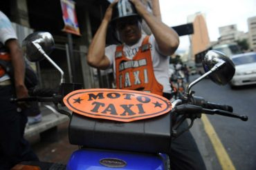 ¡VOLVIÓ EL TRUEQUE! Mototaxistas ofrecen carreras a cambio de 2 harina Pan (¡como mínimo!)